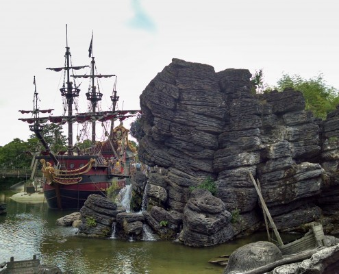 Disney pirates' cove